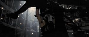 Bayne brisant l'échine de Batman (The Dark knight rises)